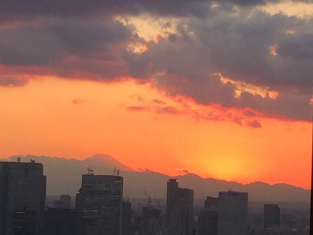 丸の内から見た富士山