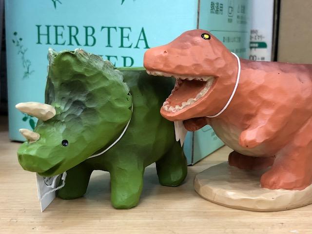 トリケラトプスとアロサウルス